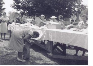 dinner on the grounds1960